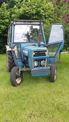 FORD 2600 BLUE TRACTOR